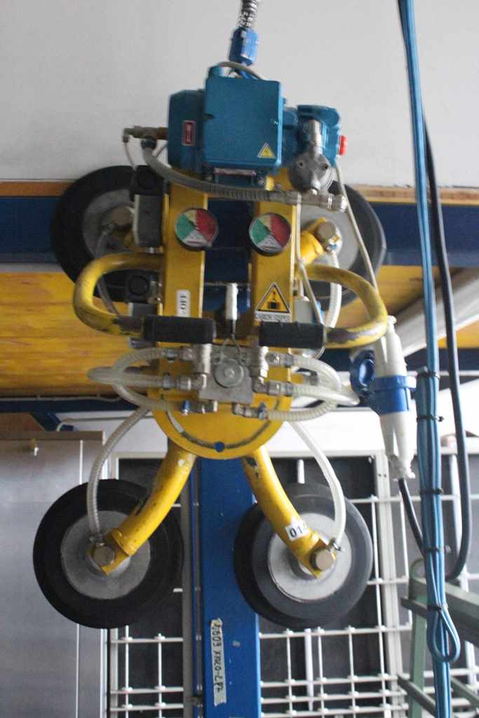 Elephant Type Gp4r Vacuum Lifter With 4 Suction Cup