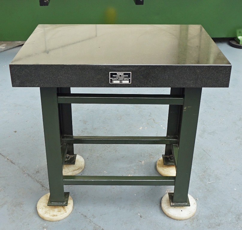 Norvic granite surface table on steel stand for Table stand i 52 compose